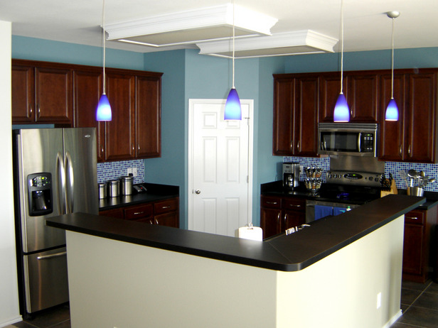 Kitchen Design Remodeled with Blue Color